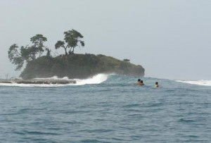 costa rica caribbean surfing