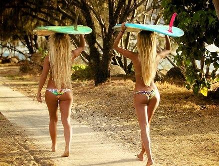 surf girls 1