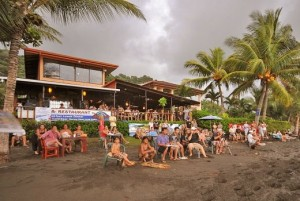 backyard-bar-playa hermosa