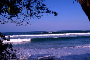 costa rica surfing 2