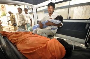 India School children die school lunch 1