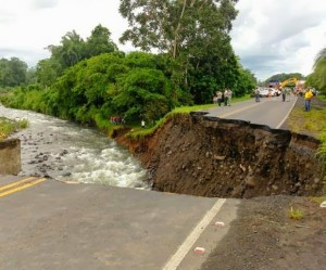 costa rica road collapse