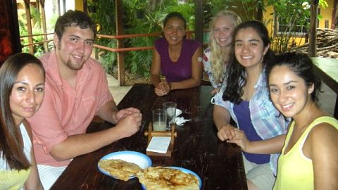 making costa rican friends main