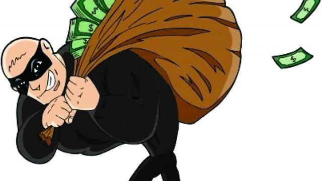thief-stealing-money1