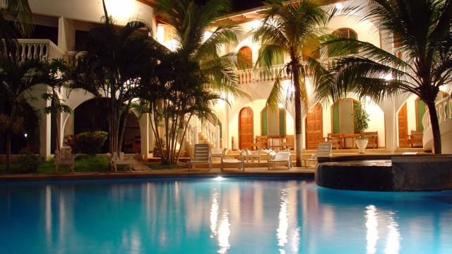 hotel zullymar tamarindo