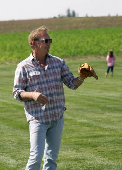 kevin costner field of dreams reunion