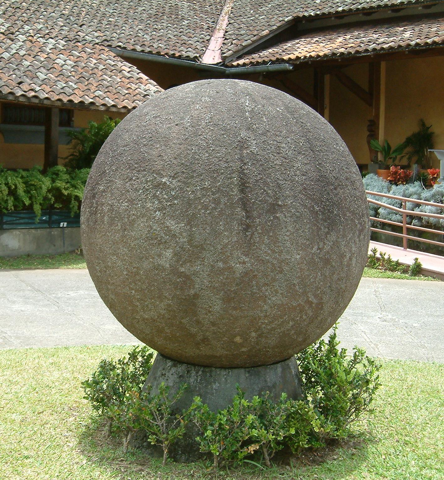 Stone_sphere costa rica