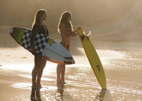 hot girls in bikinis 5