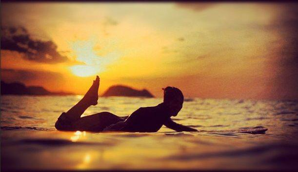 hot surf girls in bikinis