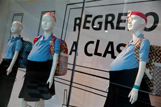 pregnant-schoolgirl-mannequins 1