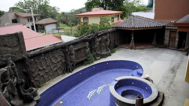 costa rican criminal house for sale