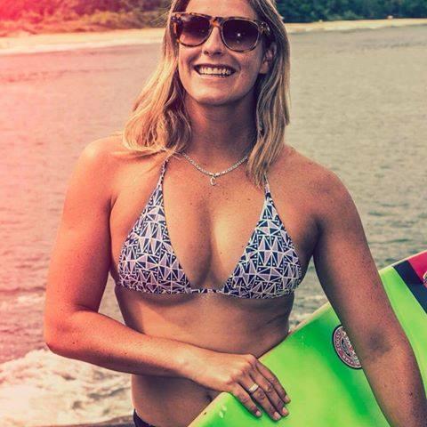 surf girls in bikinis 3