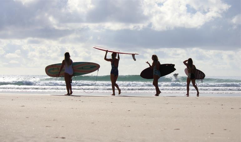 surf girls