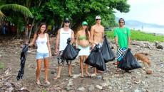 beach clean up costa rica