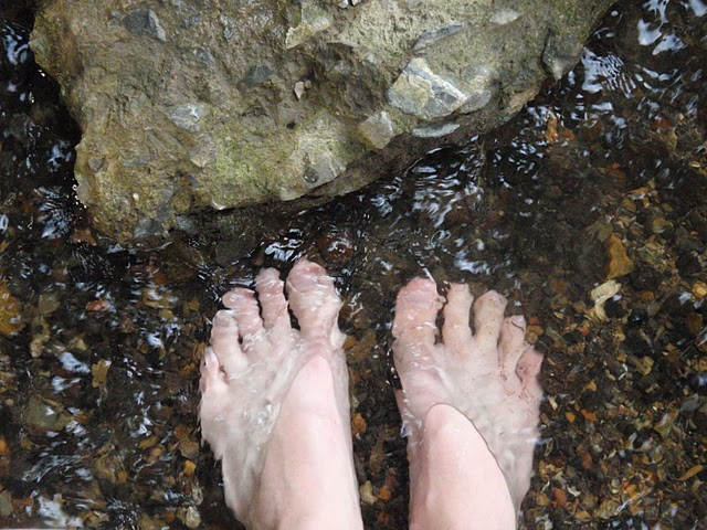 feet wet meditation