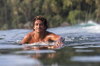 Cali Muñoz costa rica surfing 1