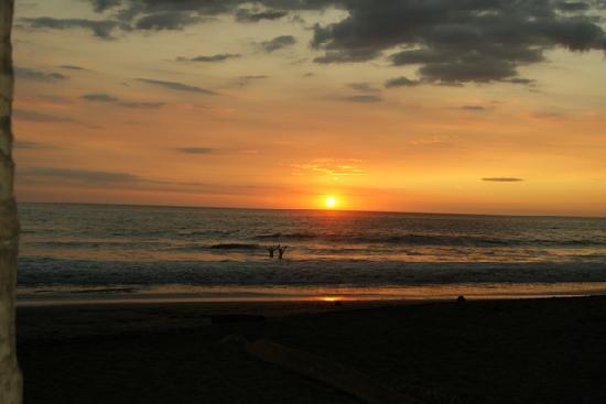 Playa Junquillal main
