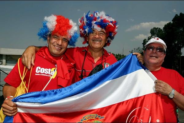 happy costa rican people