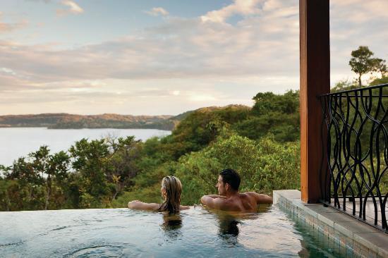 four-seasons-resort-peninsula-papagayo-hotel-1