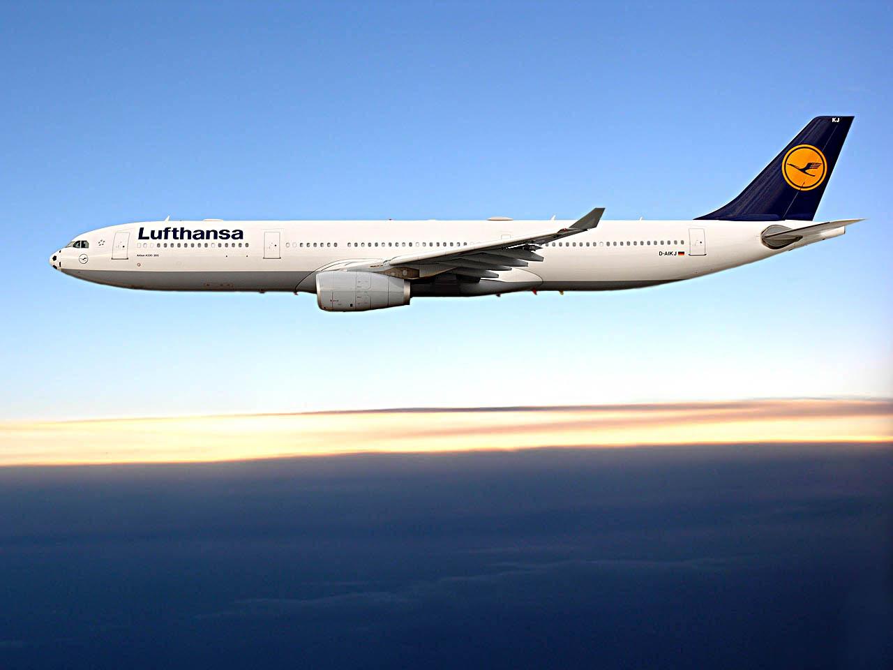 Lufthansa flight passenger door
