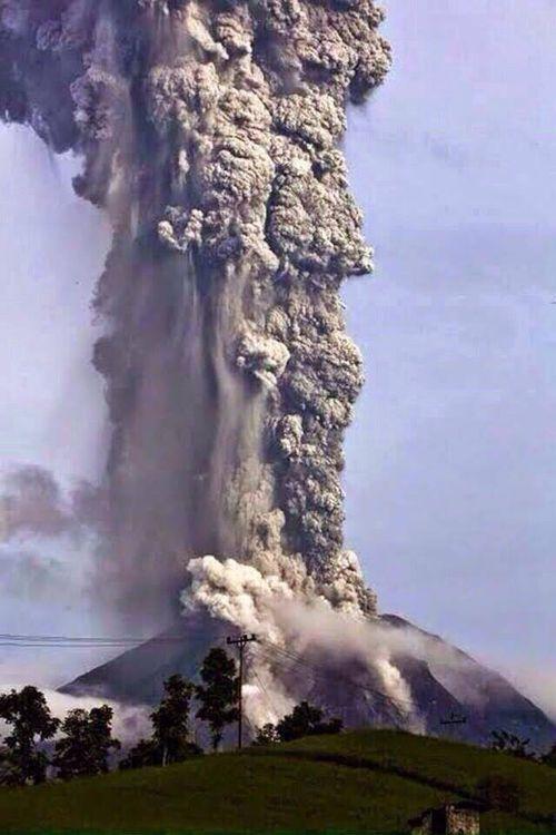 Turrialba Volcano Eruption 1