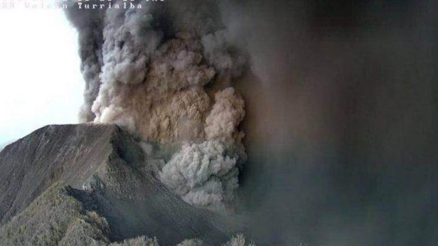 turrialba-volcano-costa-rica-main