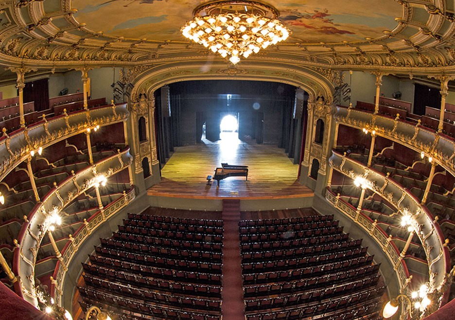 costa rica national theater 1