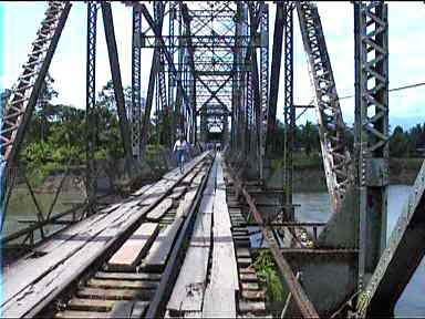 costa-rica-panama-border-bridge