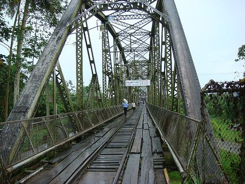 costa rica panama bridge