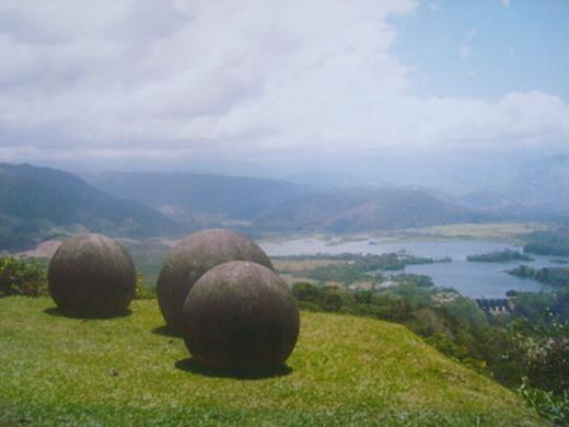 costa-rica-stone-spheres diquis 1