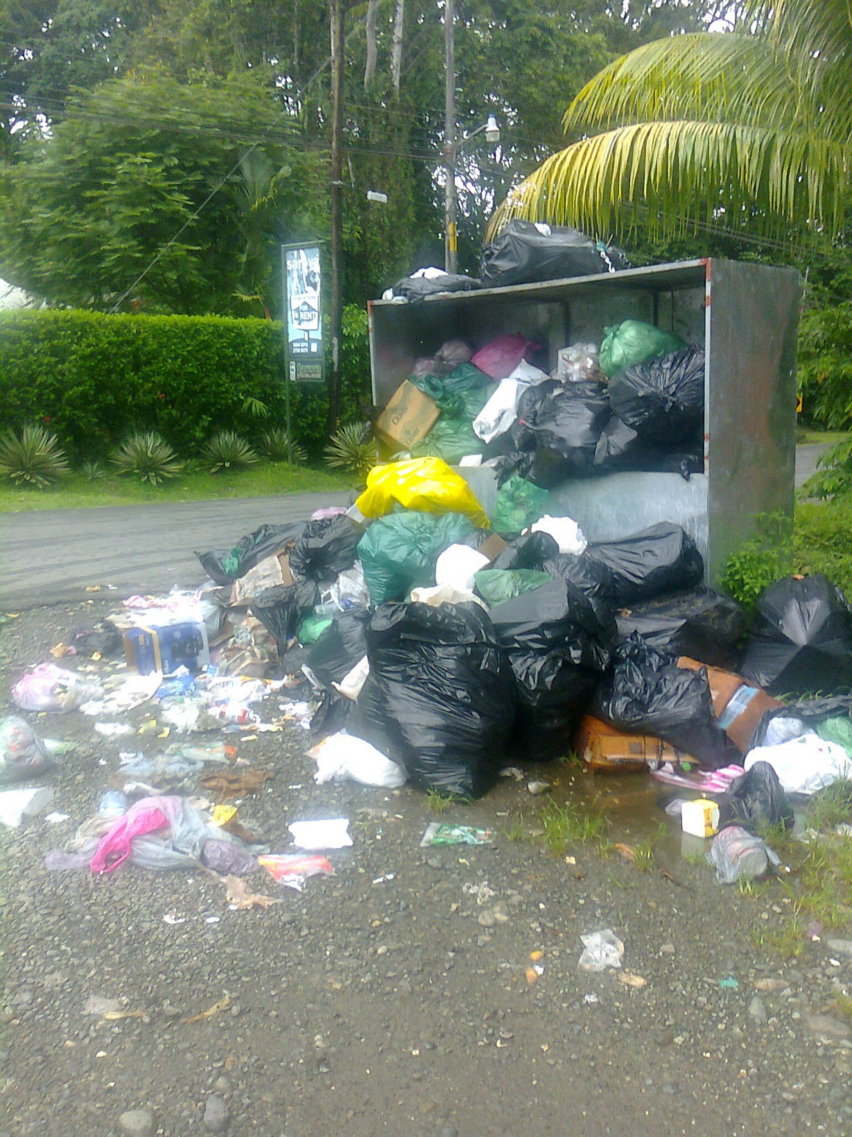 costa-rica-trash-pick-up-1