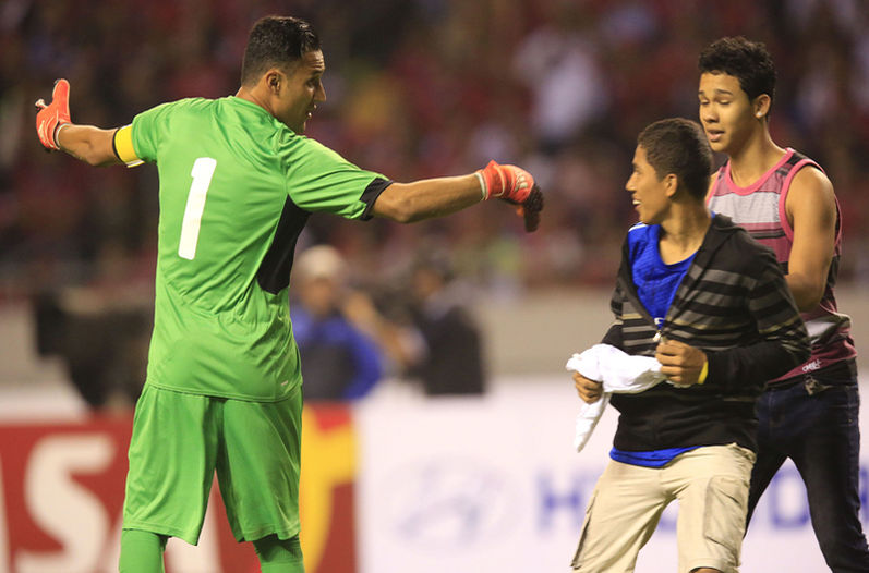 keylor navas costa rica fan on field