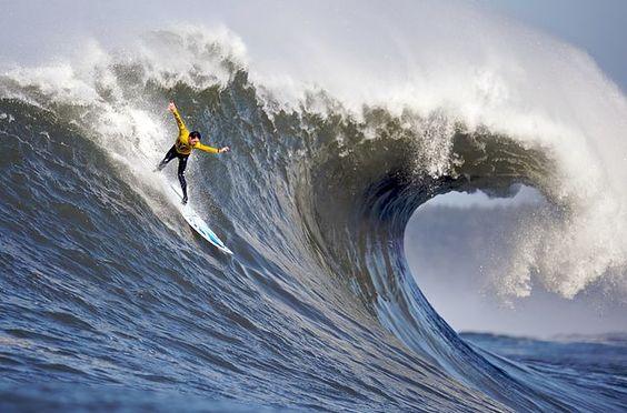 mavericks waves surf contest