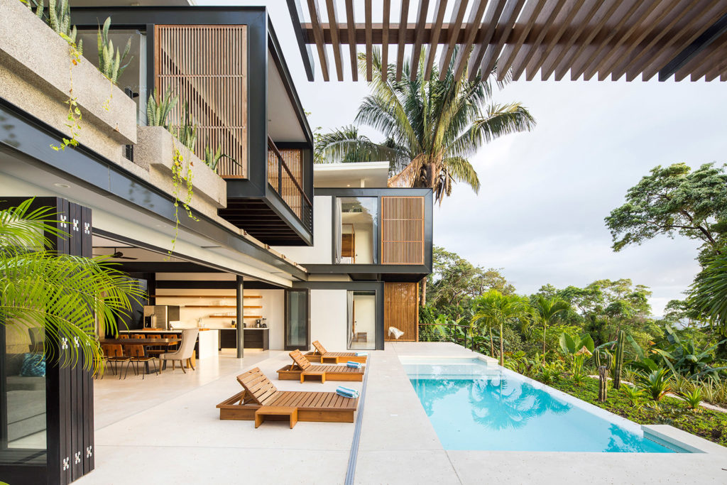 Jungle retreat in a costa rica surf town by studio saxe for Jungle house costa rica