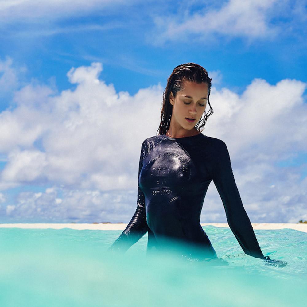 Girls Surfing Wallpaper: Surf Girls In Bikinis & Costa Rica Weekend Surf Report