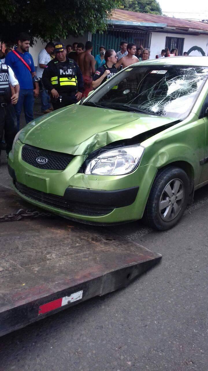 taxi-attack-uber-driver-costa-rica