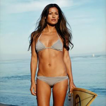top-10-female-surfers_4