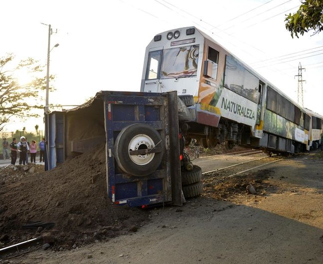 train crash costa rica 1