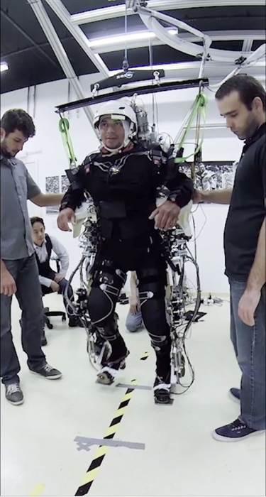 virtual reality paralyzation