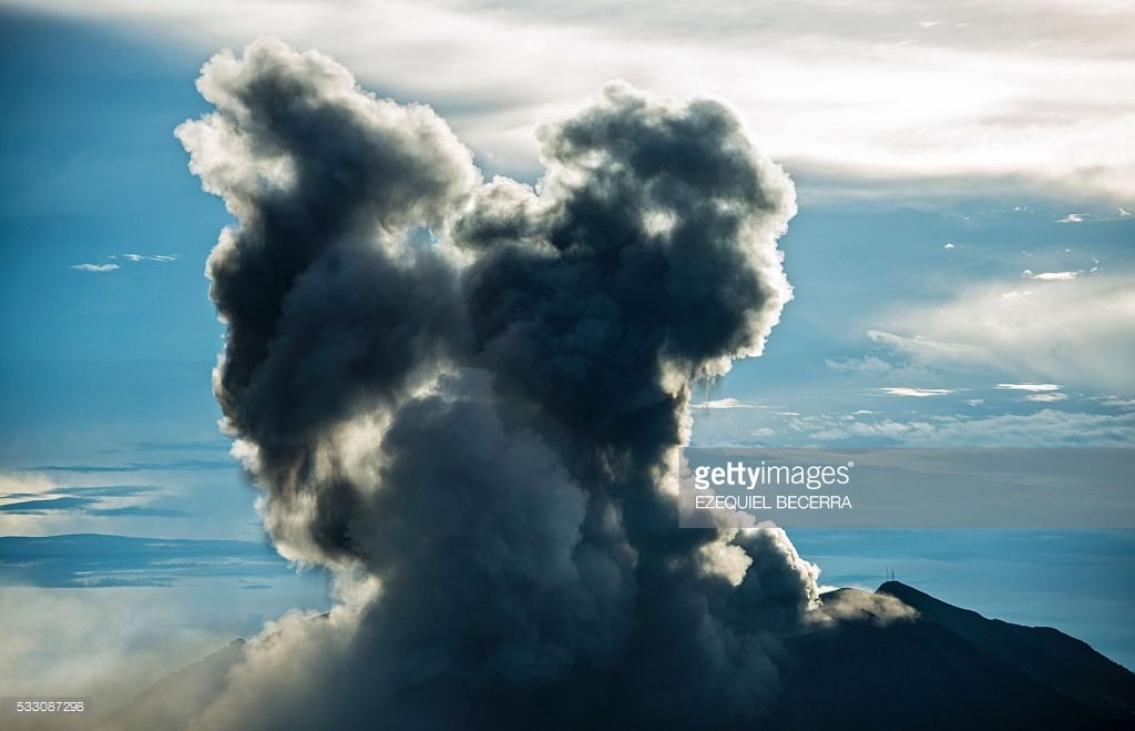 volcano turrialba erruption 2